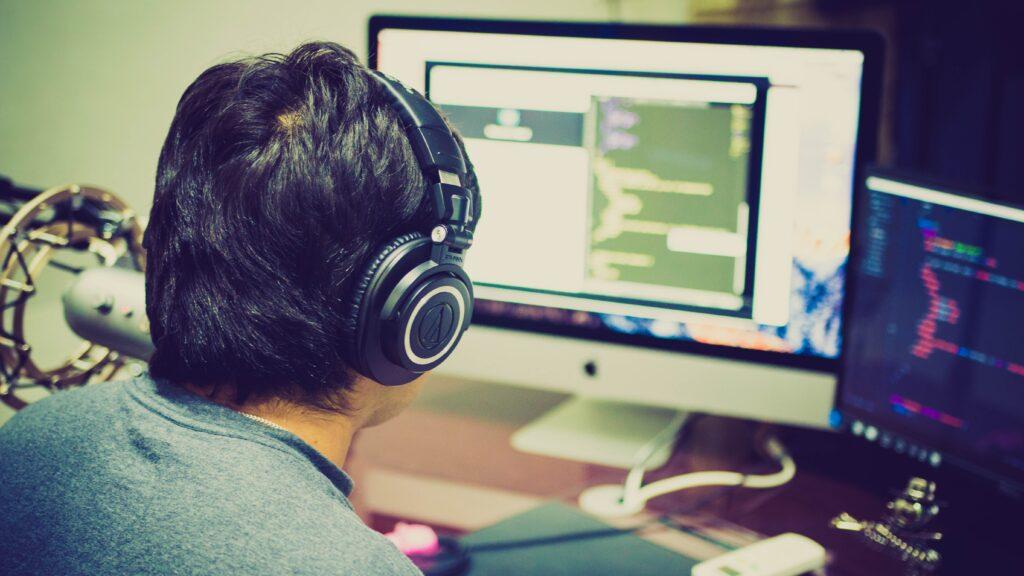 Best Open Back Headphones for Gaming_audiowavegeek